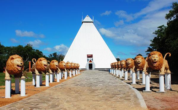 Templo universal da paz tala pir mide das curas for Francisco peluqueros porto pi